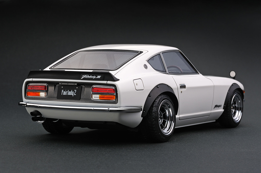 Ig0180 1 18 Nissan Fairlady Z S30 White Line Up